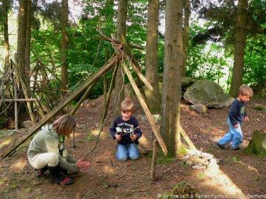 Familien mit Kinder machen Bauernhofferien in Bayern