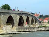 Steinerne Brücke - Sehenswertes in Regensburg Ausflugsziele